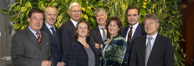 Groepsfoto van het voltallige bestuur van Facilicom Group